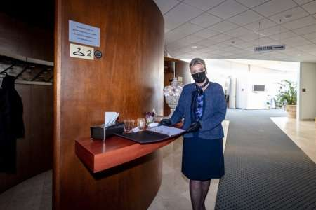 20201214 BGNU - Hospitality-coördinator Esther Kraal-Boot over uitvaartplechtigheden in coronatijd 01