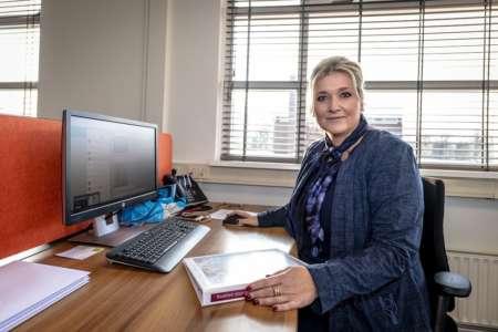 20201214 BGNU - Hospitality-coördinator Esther Kraal-Boot over uitvaartplechtigheden in coronatijd 02